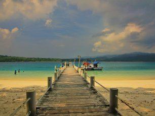 Pesona Pulau Peucang di Timur Taman Nasional Ujung Kulon
