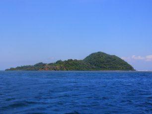 Menguak Pulau Tumbak, Menyaksikan Sisi Lain Keindahan Sulawesi Utara
