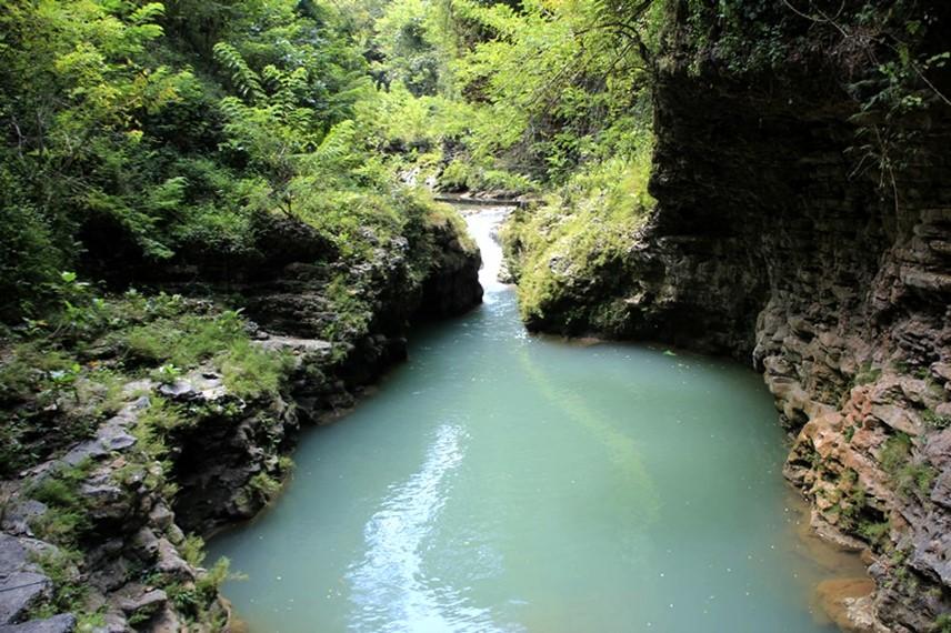 Kalisuci Cave Tubing terletak di Desa Semenu Kabupaten Gunung Kidul, Yogyakarta