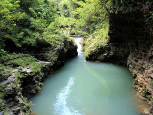 Memacu Adrenalin di Kalisuci Cave Tubing