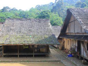 Rumah Berkonsep Aturan Adat Khas Suku Baduy