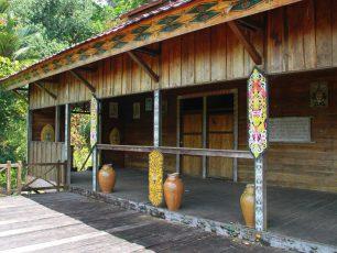 Rumah Bentang Samalantan, Rumah Tempat Kegiatan Keagamaan Masyarakat Dayak