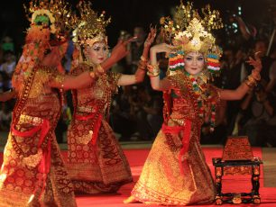 Gending Sriwijaya, Tari Kolosal Penyambut Tamu Raja