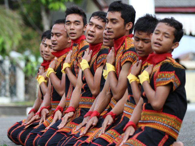 Tari Saman, Harmonisasi Gerak Penuh Pujian