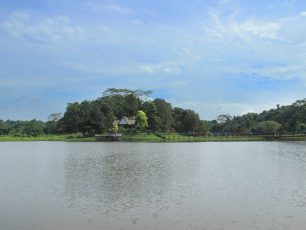Waduk Panji Sukarame, Wahana Rekreasi Air Nan Asri di Tenggarong