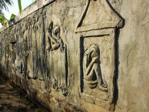 Melihat Situs Waruga di Minahasa Utara