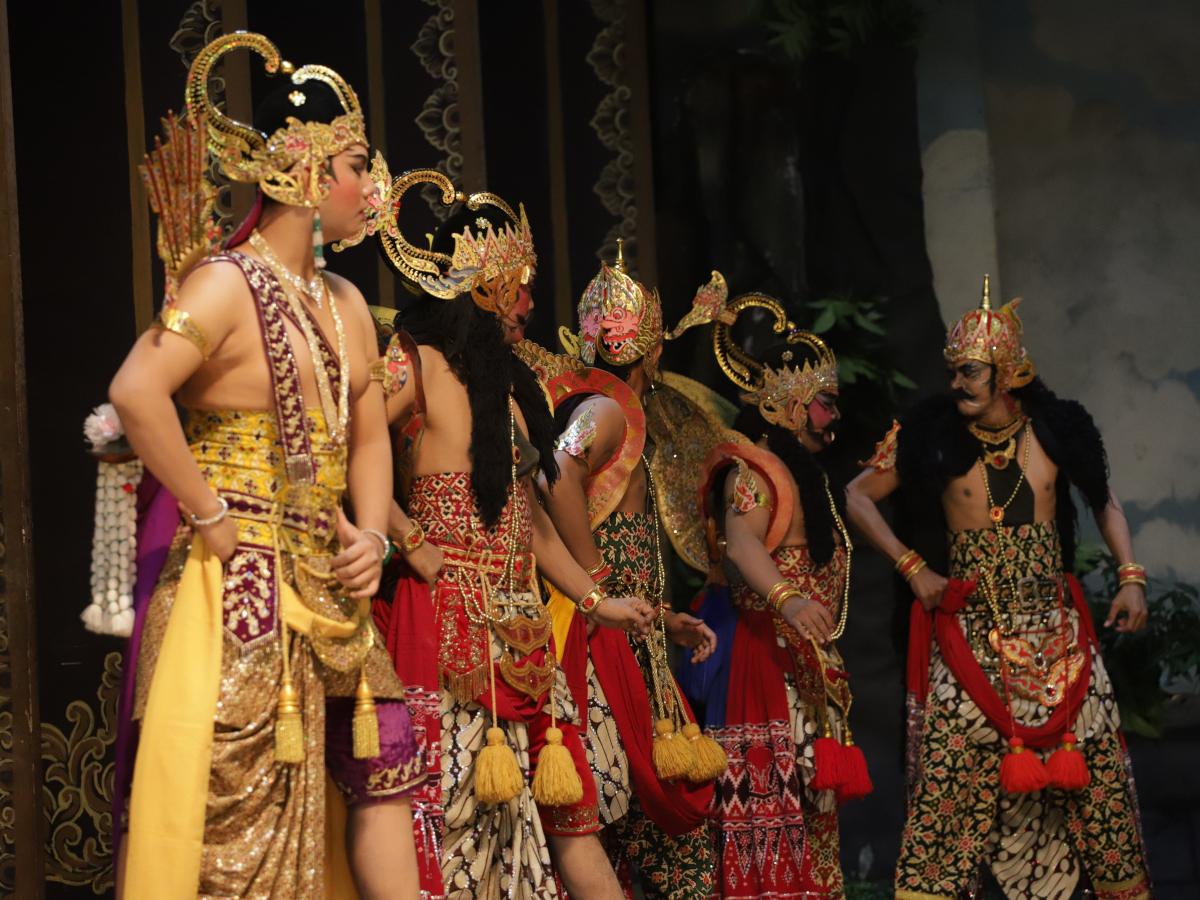 "Wayang Orang Bharata Mempersembahkan Lakon ""Sinto Ilang"""