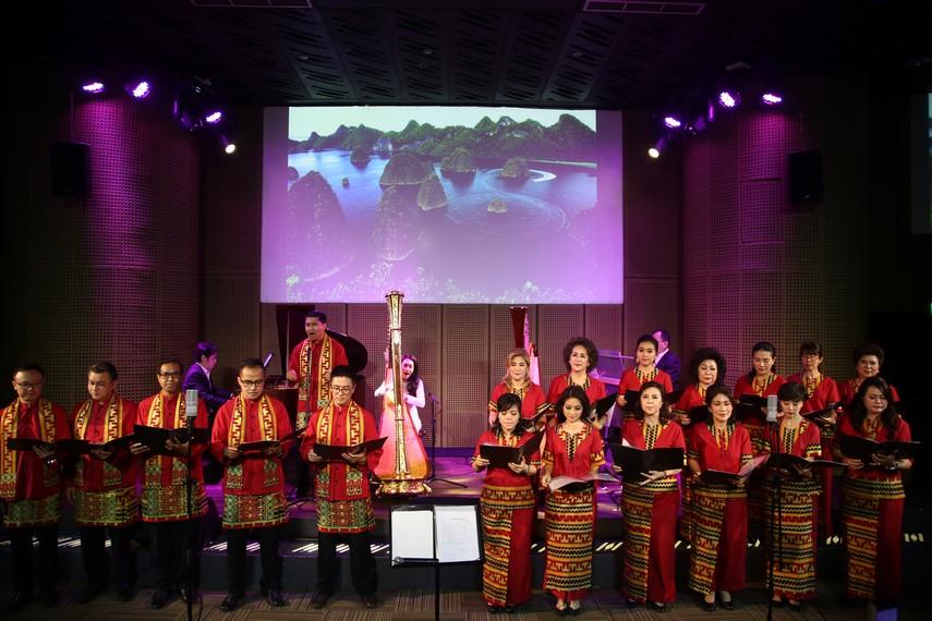 Indonesia Bersatu oleh Regina Handoko bersama Daniel Christianto, Celine Handoko dan Para Gempita