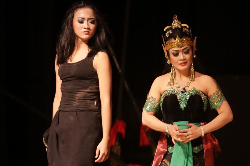 Banowati terpaksa menjadi istri Duryudana atas desakan ayahnya