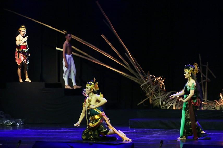 Drama Wayang Swargaloka menampilkan kesenian wayang orang berbahasa Indonesia