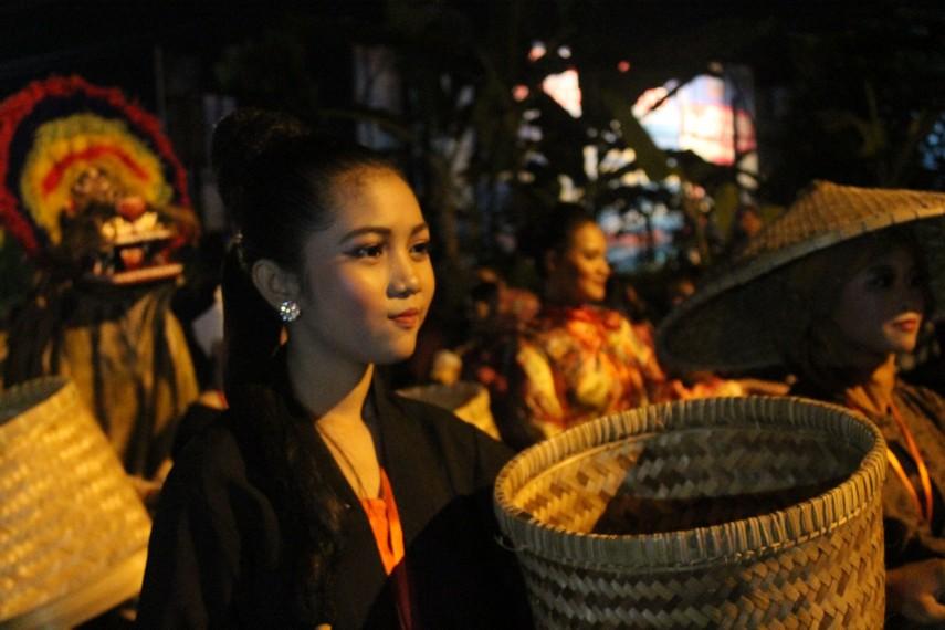 Kontingen dari kabupaten Kudus dalam Parade Seni Budaya Hari Jadi Propinsi Jawa Tengah tahun 2015