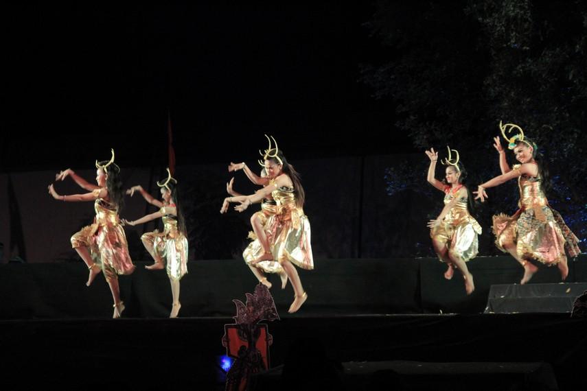 Kegiatan Bakdhan Neng Solo dengan menggelar pertunjukan Opera Ramayana