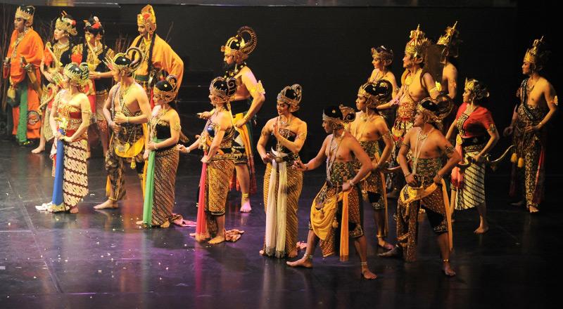 Para pemain Arjuna Galau tampil penuh pesona
