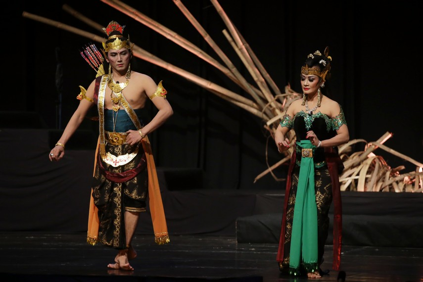 Setelah menikah dengan Duryudana, Banowati masih tetap mencintai Arjuna