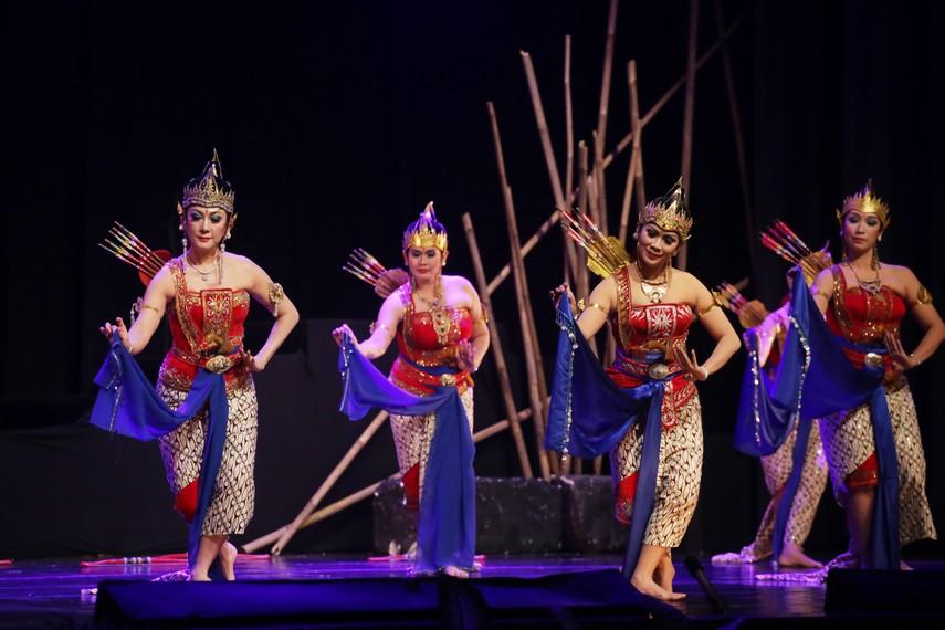 Tari Srikandi Larasati dipersembahkan oleh Jaya Suprana School of Performing Arts