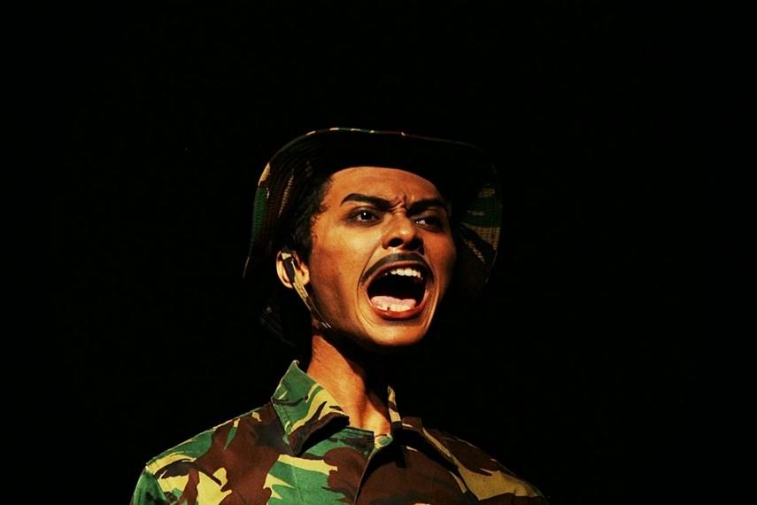 Tentara diperankan oleh M. Eva Nuril Huda