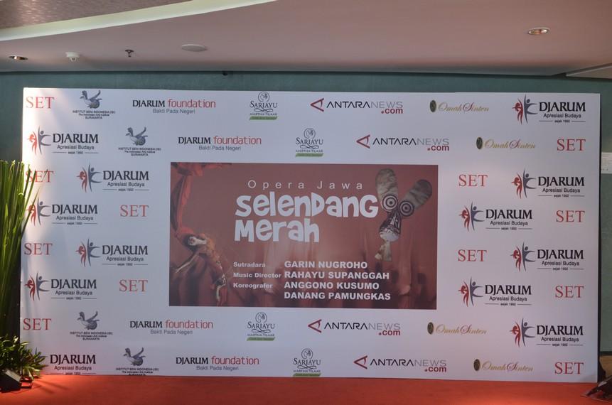 Wall of Fame, Opera Jawa Selendang Merah