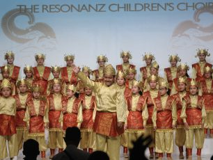 Harumkan Nama Indonesia di Kompetisi Internasional, The Resonanz Children's Choir dan Batavia Madrigal Singers Tampil Memukau di Amerika Serikat dan Eropa