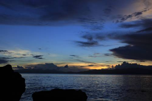 Selain Pantai Ora, 3 Pantai Ini Jadi Bintang di Maluku